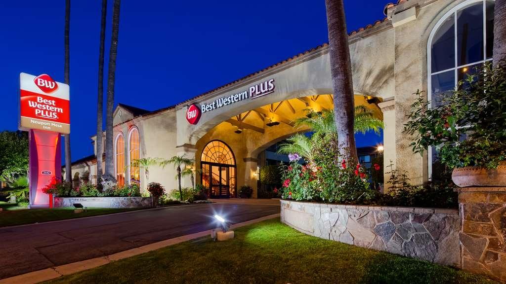 Best Western Plus Newport Mesa Inn - Vista Exterior