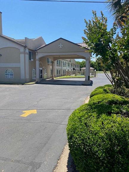 SureStay Hotel by Best Western Alexandria Airport - Vista exterior