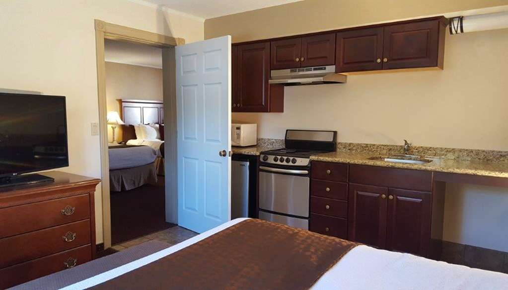 Best Western Plus Humboldt House Inn - Suite