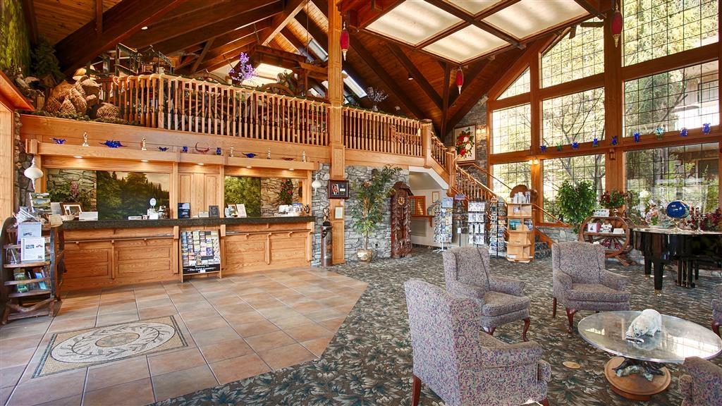 Best Western Plus Yosemite Gateway Inn - recepción