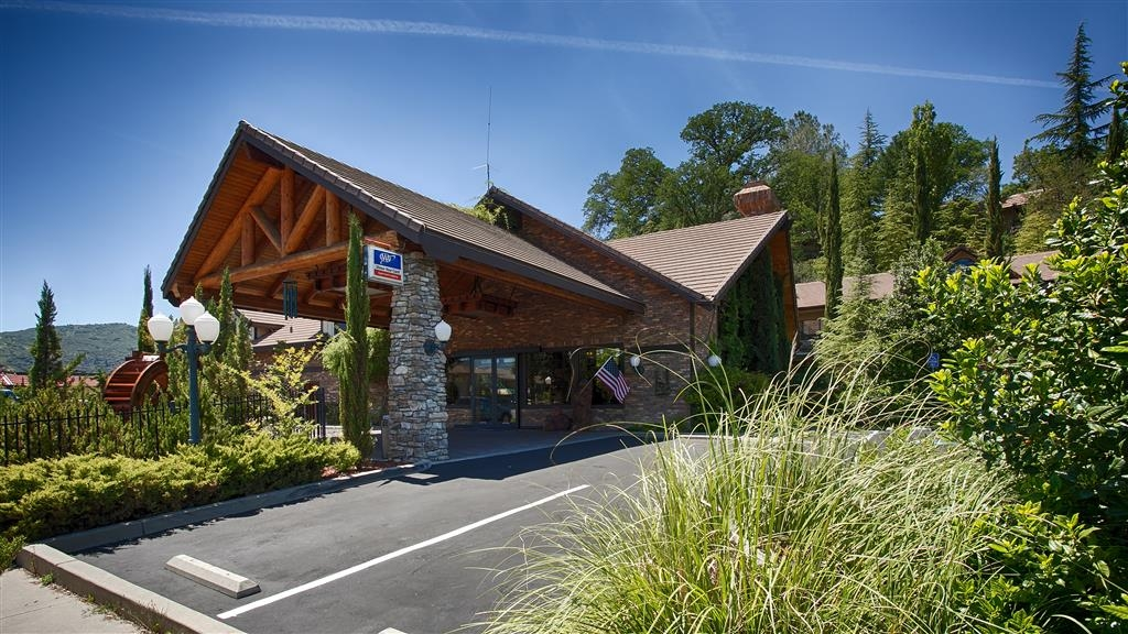 Best Western Plus Yosemite Gateway Inn - At Best Western Plus Yosemite Gateway Inn we aim to make your stay with us unforgettable and effortless.