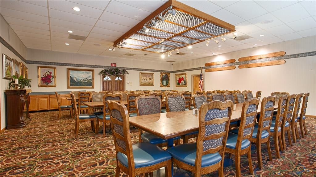 Best Western Plus Yosemite Gateway Inn - Call us to check rates and book one of our meeting rooms.