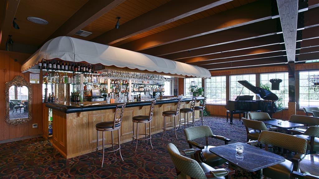 Best Western Plus Yosemite Gateway Inn - Bar/Salón
