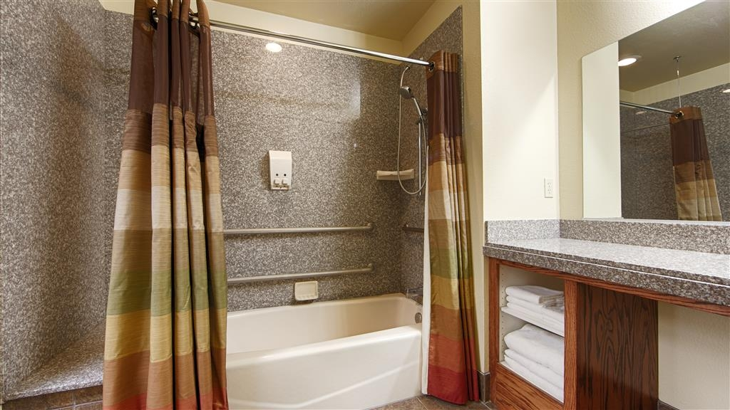 Best Western Plus Yosemite Gateway Inn - Forgot Shampoo? Dont worry we have you covered, complimentary shampoo, conditioner and lotion are provided.