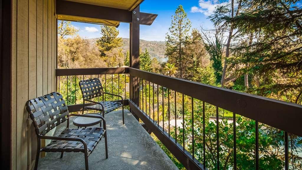 Best Western Plus Yosemite Gateway Inn - Patio