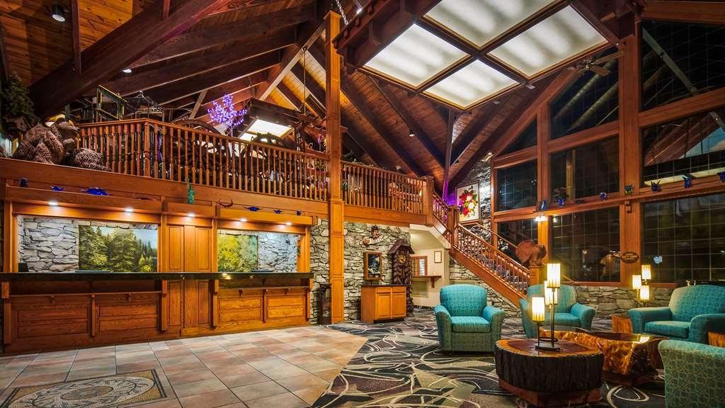 Best Western Plus Yosemite Gateway Inn - Lobby
