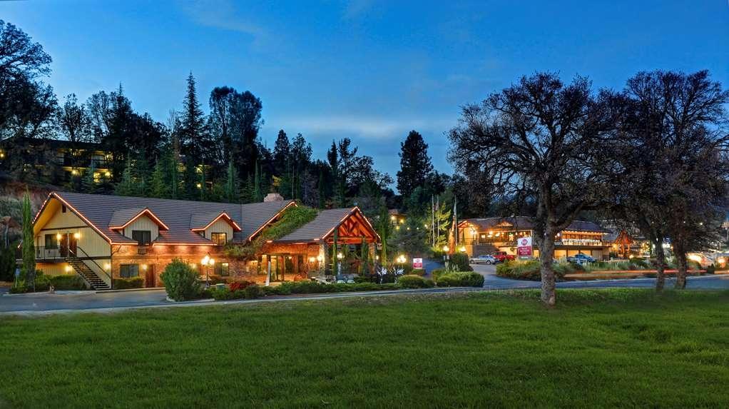 Best Western Plus Yosemite Gateway Inn - Exterior w new logo
