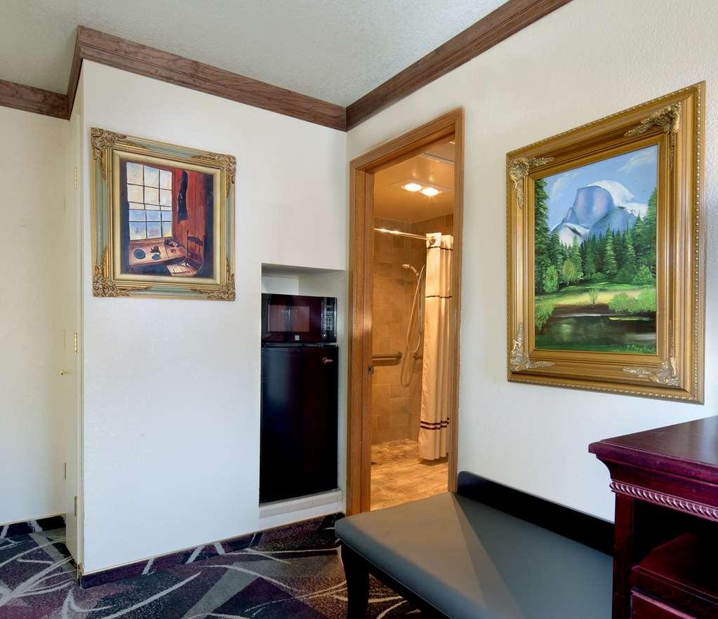 Best Western Plus Yosemite Gateway Inn - habitación de huéspedes-amenidad