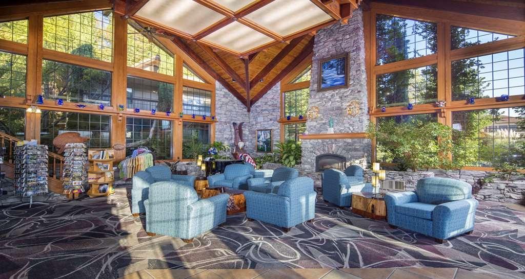 Best Western Plus Yosemite Gateway Inn - Lobby Sitting Area