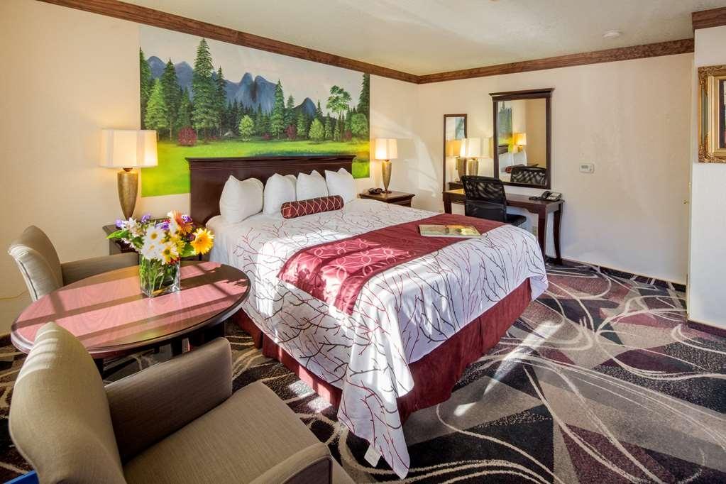 Best Western Plus Yosemite Gateway Inn - H K Roll in Accessible King