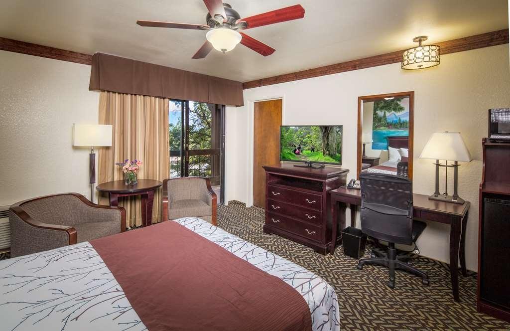 Best Western Plus Yosemite Gateway Inn - NQ Q Standard Q Non Smoke view