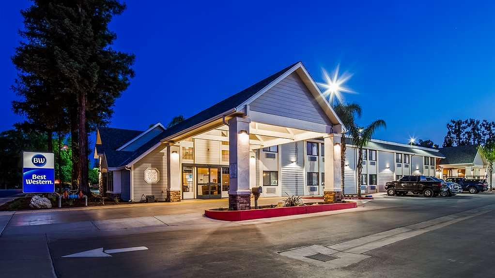Best Western Town & Country Lodge - Vista exterior