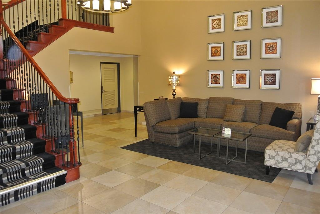Best Western Town & Country Lodge - Lobby - Equipped with free use of Business Center
