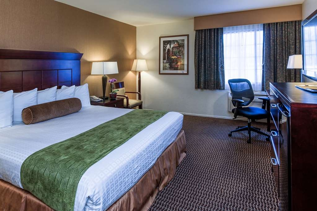 Best Western Plus Carpinteria Inn - Our King guest room has all the amenities you may require whether you are on business or visiting for pleasure.
