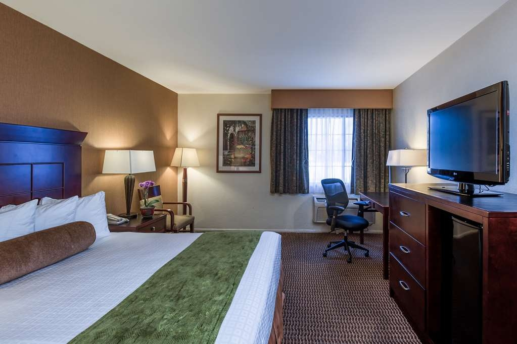 Best Western Plus Carpinteria Inn - Queen bed