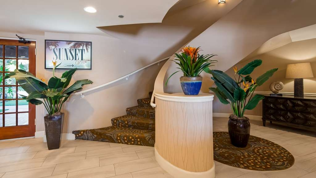 Best Western Plus Carpinteria Inn - Hotel Interior