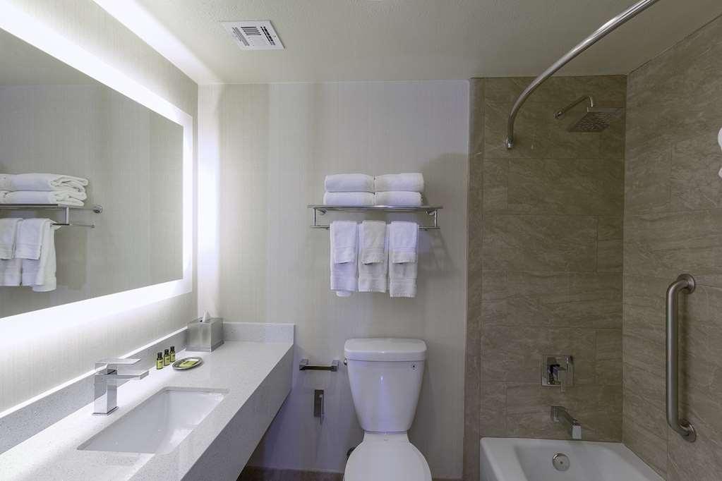 Best Western Plus Carpinteria Inn - Gästezimmer/ Unterkünfte