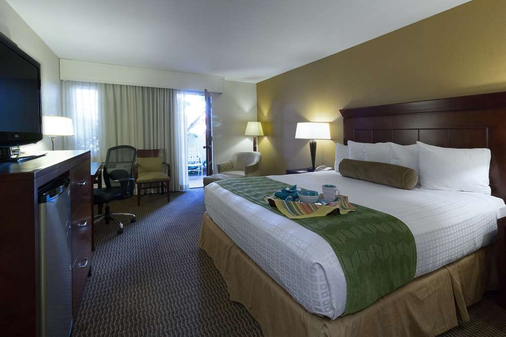 Best Western Plus Carpinteria Inn - Stay with us and you will realize that you never want to go home.