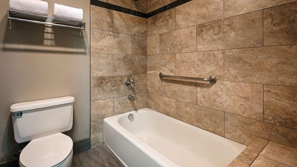 Best Western Desert Villa Inn - ADA Mobility Accessible Bathtub