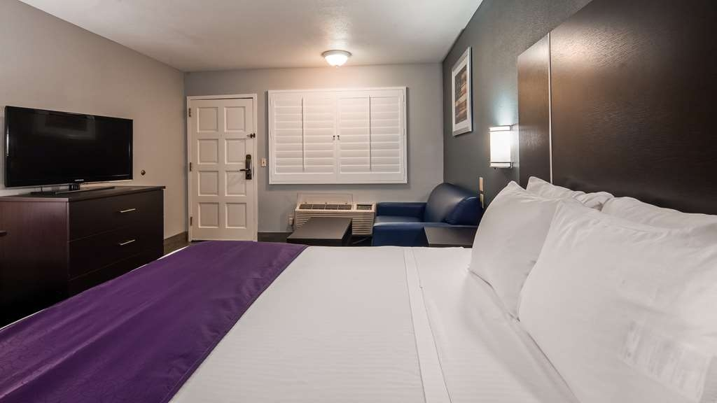 Best Western Desert Villa Inn - Guest room