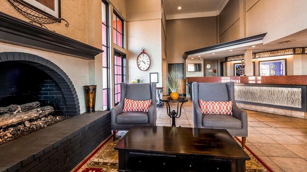 Best Western Desert Villa Inn - Lobby view
