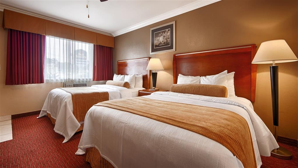 Best Western Tradewinds - Stretch out and relax in the Two Queen Bed Guest Room