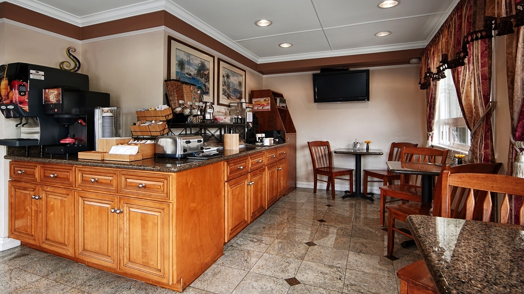 Best Western Tradewinds - Kick-start your morning with a complimentary continental breakfast at the BEST WESTERN Tradewinds.