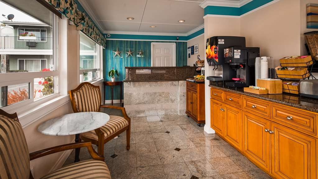 Best Western Tradewinds - Breakfast Area