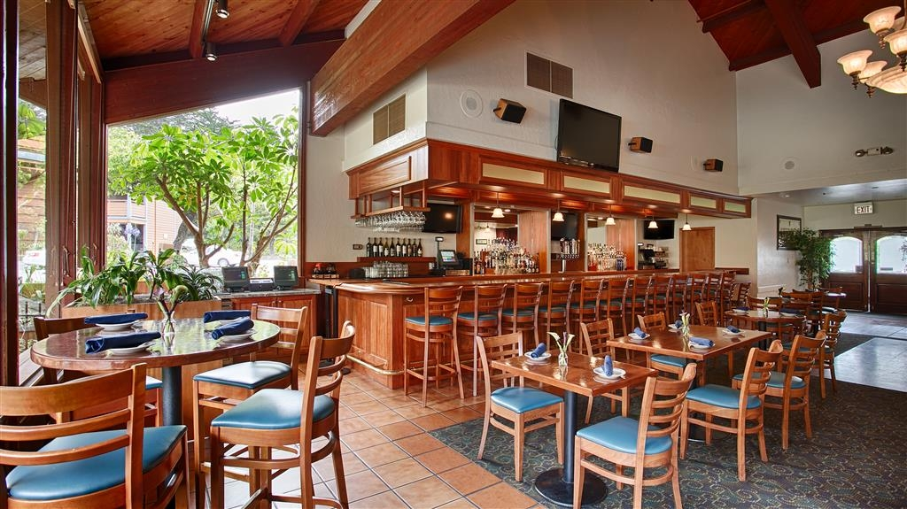 Best Western Seacliff Inn - Join us daily for Happy-tizers!Served daily from 3-6pm, Sunday and Monday, 3-9pm. Enjoy discounted appetizers, $4 well drinks, $5 margaritas, $4 house wine, $5 local draft beers, $4 premium draft beers. And so much more!