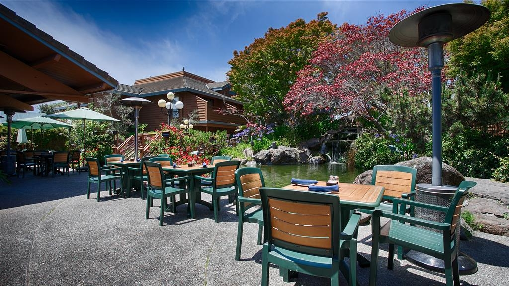 Best Western Seacliff Inn - Enjoy the California Sun while eating on our outdoor patio.