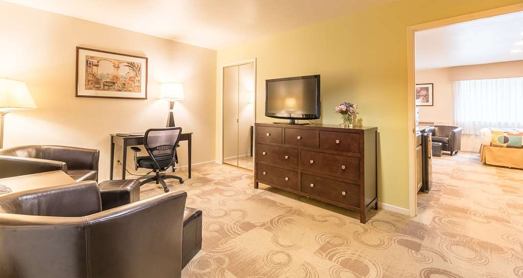 Best Western Seacliff Inn - Suite