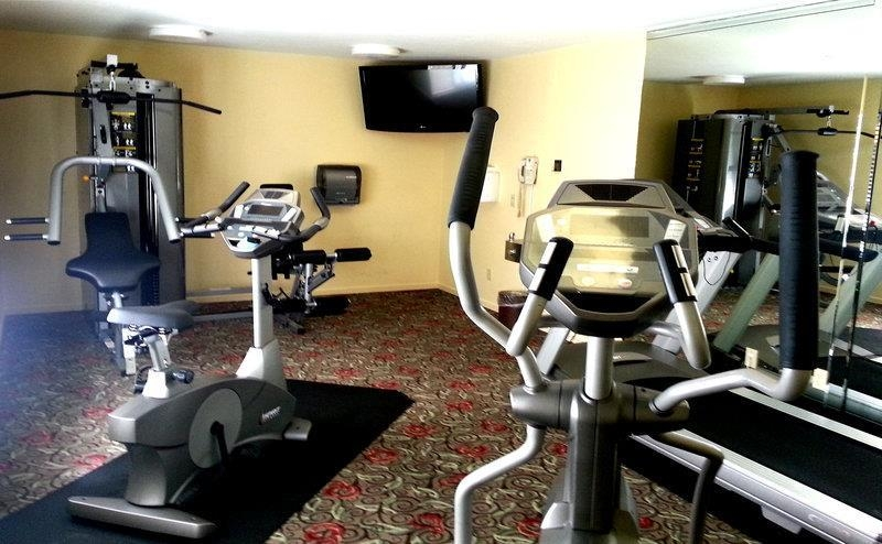 Best Western Seacliff Inn - Fit a workout into your busy day during your stay with the convenience of our 24-hour fitness center.