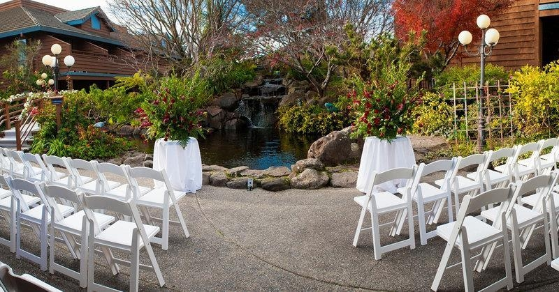Best Western Seacliff Inn - Our sales and catering staff specializes in creating the right atmosphere you wish to have at your ceremony and reception.