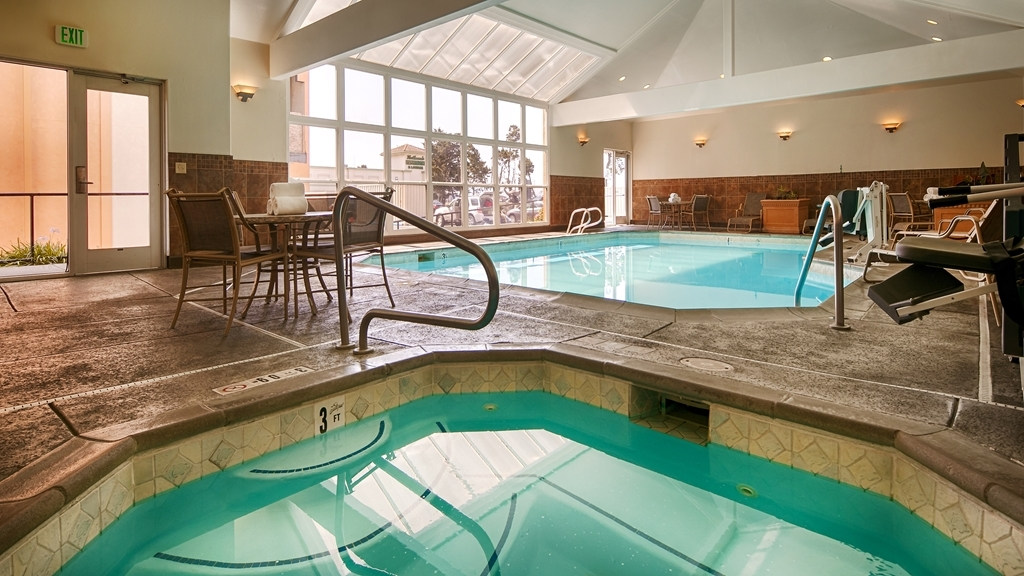 Best Western Plus Northwoods Inn - hallenbad
