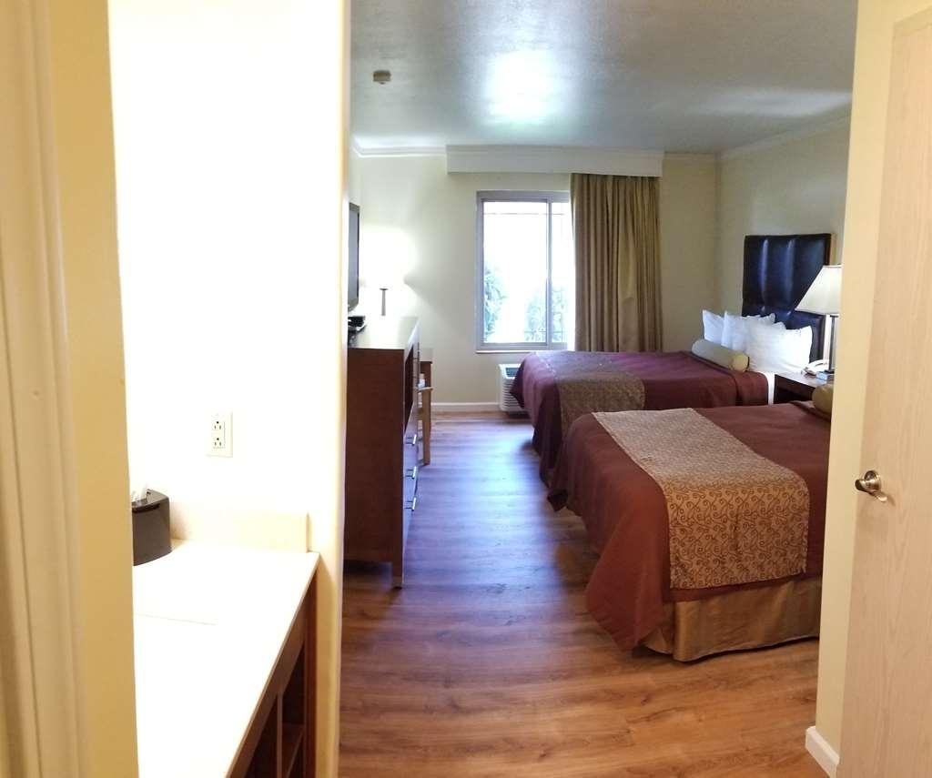 Best Western Plus Northwoods Inn - Habitaciones/Alojamientos