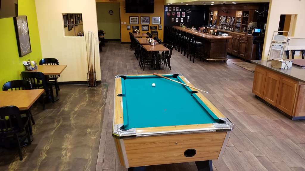 Used Pool Tables Buyers Guide Part 1 Robbies Billiards >> Hotel In Crescent City Best Western Plus Northwoods Inn