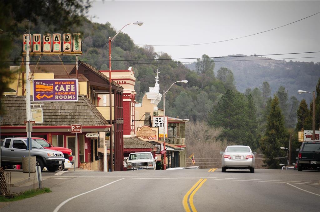 Best Western Plus Yosemite Way Station Motel - Stop by our front desk to find out all the hot spots in Mariposa, CA.