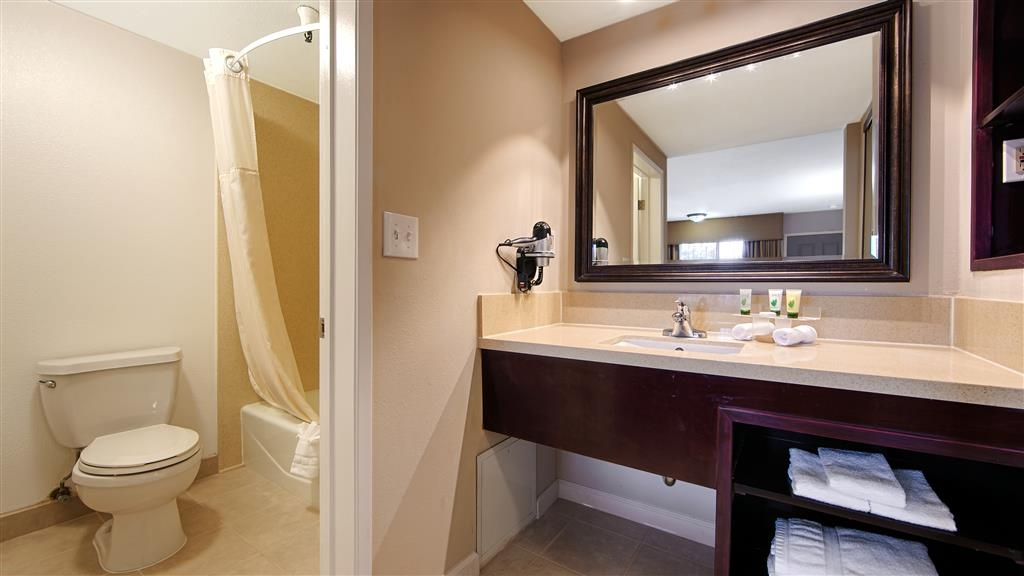 Best Western Pasadena Royale Inn & Suites - We take pride in making everything spotless upon your arrival.