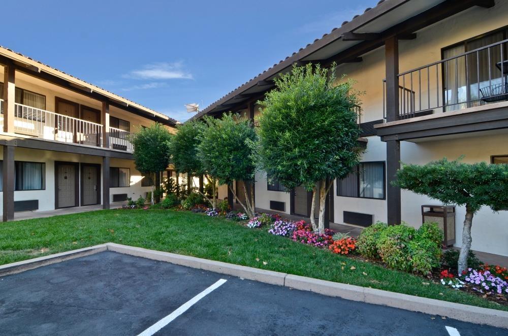 Best Western Plus Inn Scotts Valley - Außenansicht des Hotels