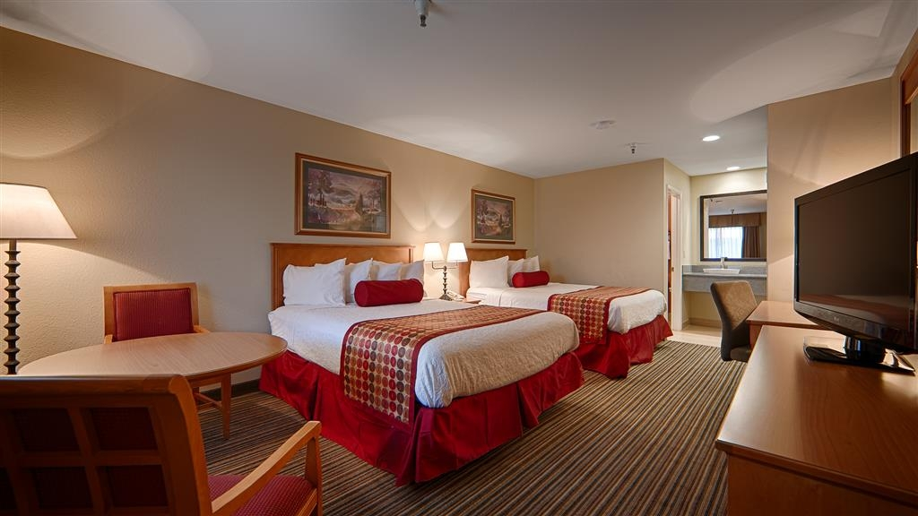 Best Western Plus Inn Scotts Valley - Plan the perfect trip in our 2 queen guest room where everyone is sure to get the perfect night of sleep.