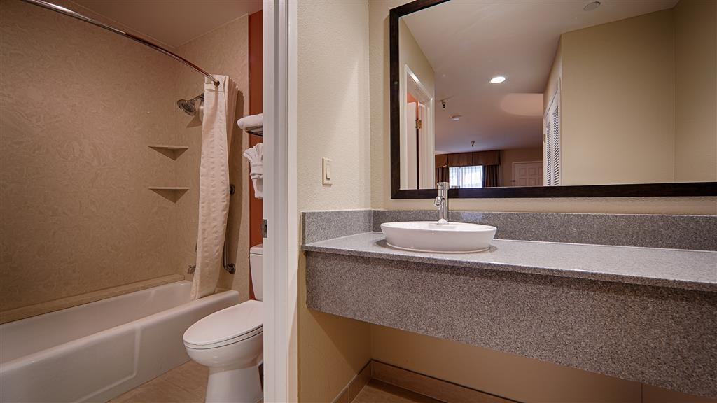 Best Western Plus Inn Scotts Valley - All of our guest bathrooms offer you extra vanity space you need to unpack the necessities.