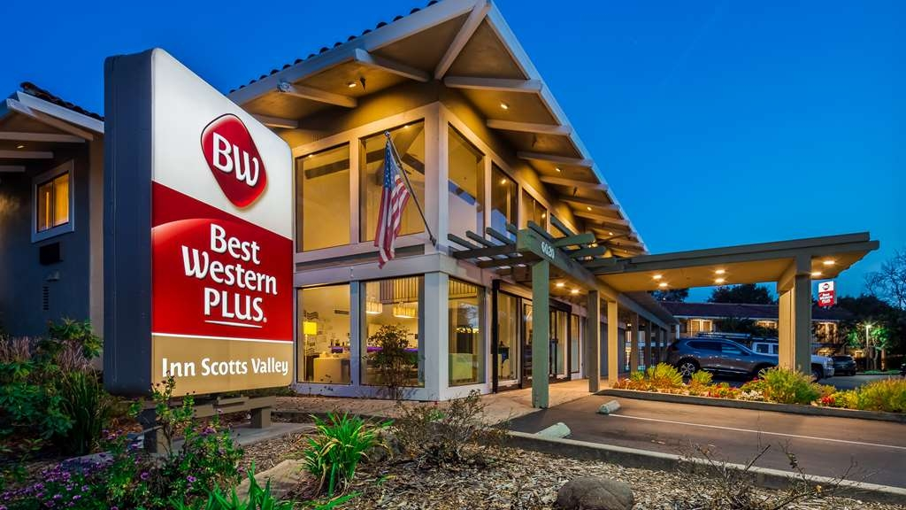 Best Western Plus Inn Scotts Valley - Hotel Exterior at Night