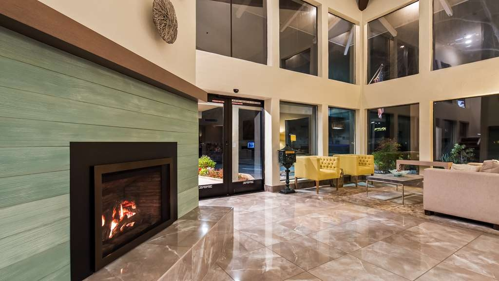 Best Western Plus Inn Scotts Valley - Lobby