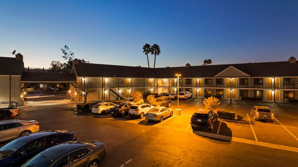Best Western Country Inn - Vista Exterior