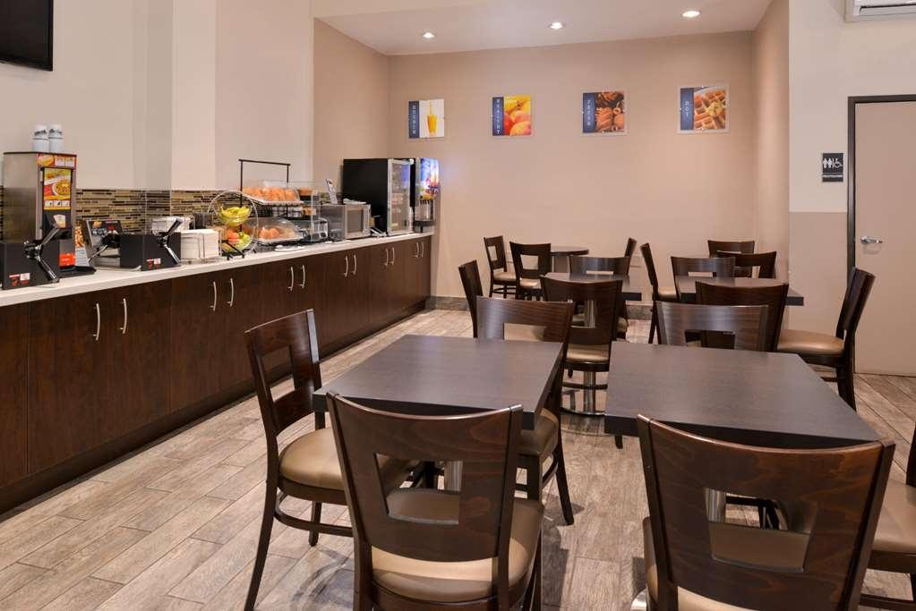 Best Western Airpark Hotel - Breakfast Area