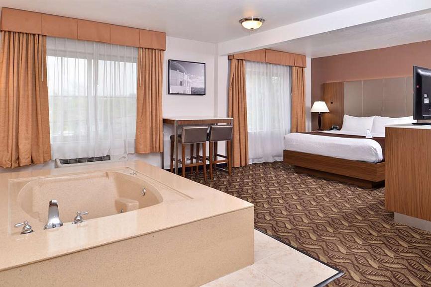 Hotel In Inglewood Best Western Airport Plaza Inn Los Angeles Lax Hotel
