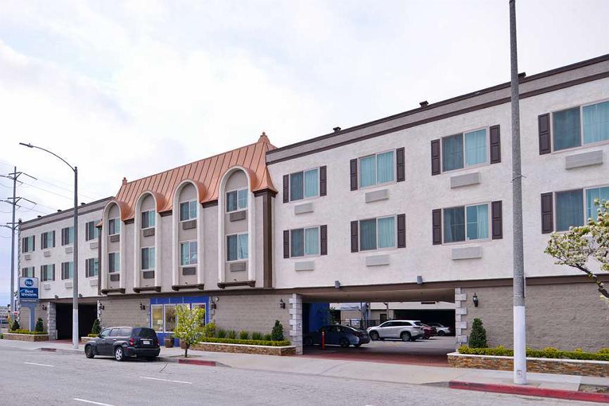 Best Western Airport Plaza Inn - Facciata dell'albergo