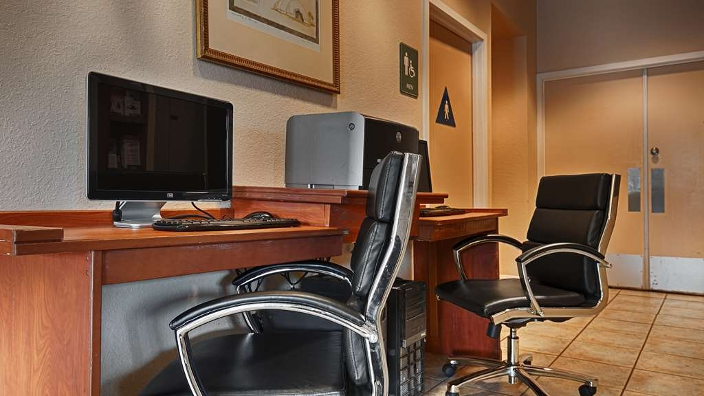 Best Western Heritage Inn - Our business center is available to help you prepare travel itineraries, send emails or browse the web.
