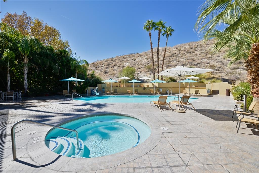 Best Western Inn at Palm Springs - Outdoor Hot Tub