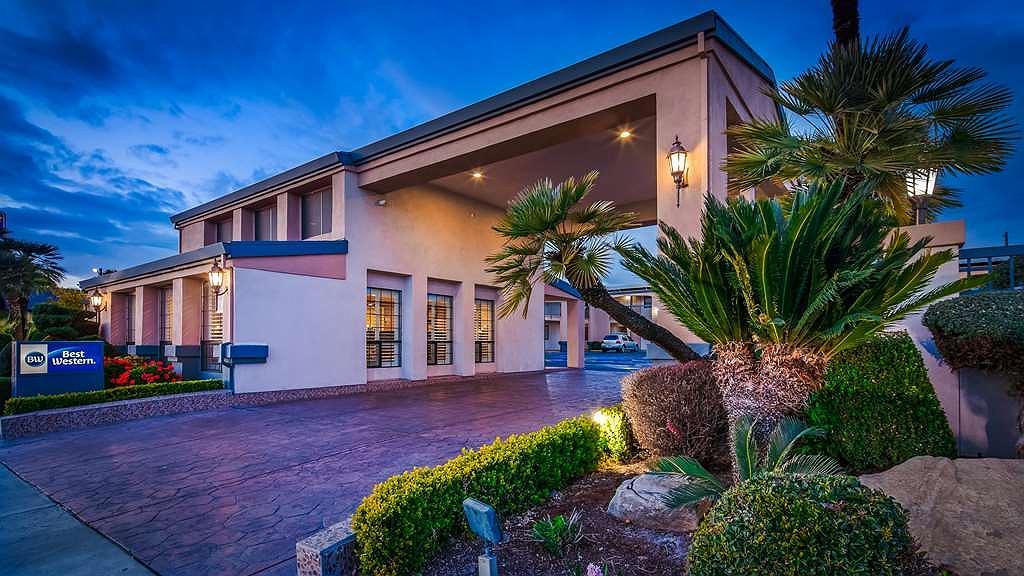Best Western Inn - Hotel Exterior at Night